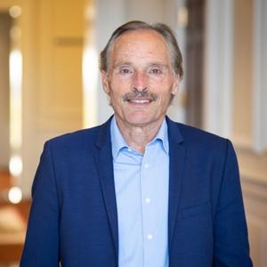 Dr. David Nieman